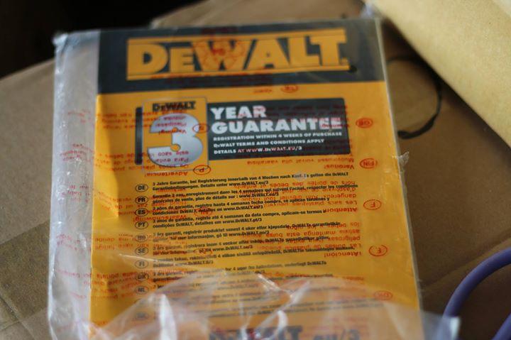 Cưa bàn Dewalt DW745